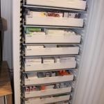 unser Kühlschrank bietet Platz für über 200 Kühlartikel - vor allem Insuline und Impfstoffe
